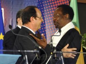 Les présidents français et malien à la conférence des donateurs, Bruxelles, mai 2013 (Crédit image: www.rfi.fr)
