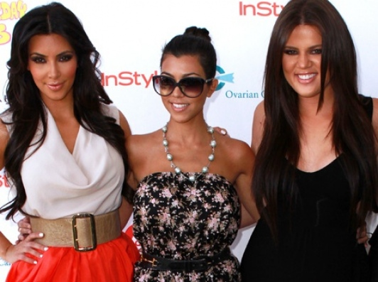 Les soeurs Kardashian (crédit image: www.peoplepremiere.fr)