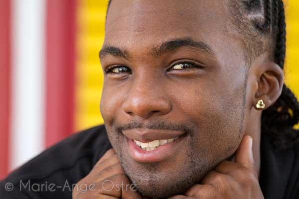 Jeune homme africain (Crédit image: www.unmondeailleurs.net)