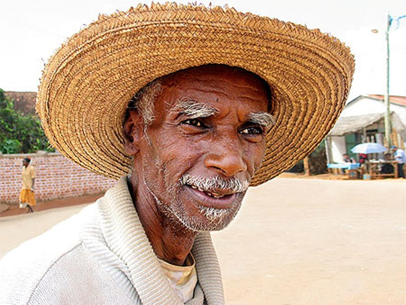 Homme âgé d'Afrique (Crédit image: www.routard.com)
