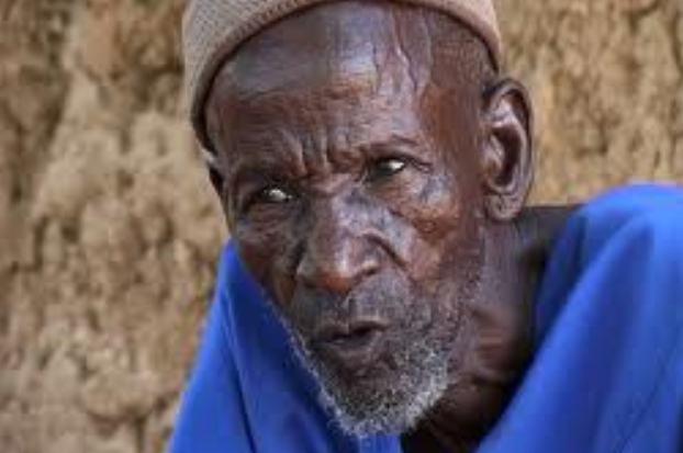 Homme âgé d'Afrique (Crédit image: www.festival-alimenterre.org)