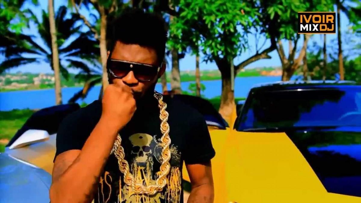 Arafat DJ, le Yorobo 5050 55555 000 volts (Crédit image: www.youtube.com)